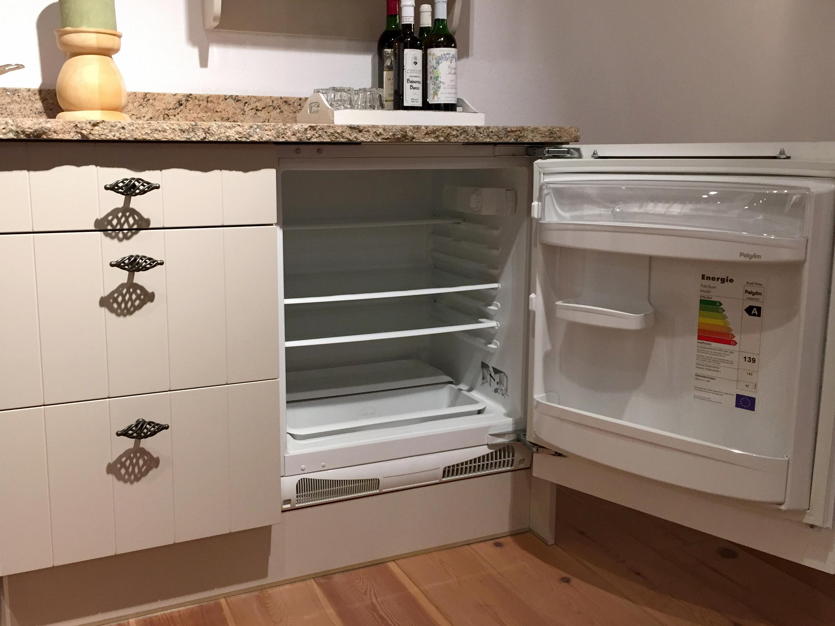 Boretti Keuken Galerij : Showroom keuken beige hoefnagel tegels keukens en sanitair