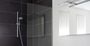 Badkamer Showroom Capelle : Referenties badkamers hoefnagel tegels keukens en sanitair