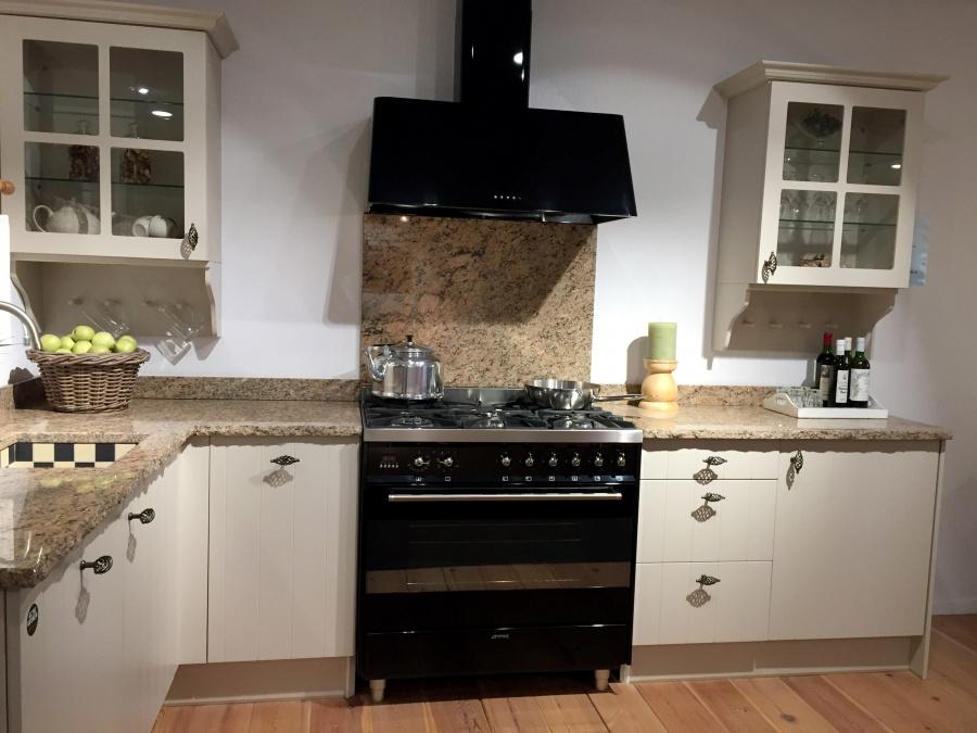 Badkamer Showroom Capelle : Showroom keuken beige hoefnagel tegels keukens en sanitair
