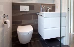 Referenties badkamers - Hoefnagel Tegels, Keukens en Sanitair